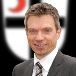 Hilleke vor Wappen - Bürgermeister Attendorn