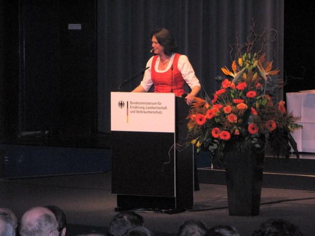 Golddorf Niederhelden Berlin Preisverleihung Ilse Aigner