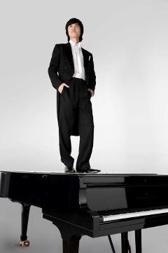haiou zhang auf klavier