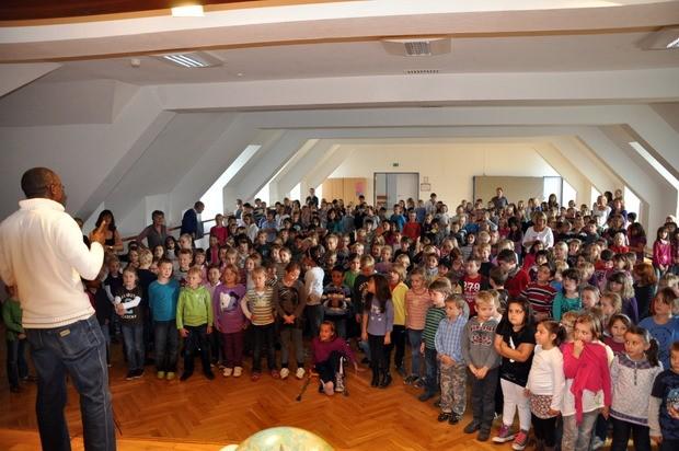 Spendenuebergabe  - Sonnenschule Attendorn 2011
