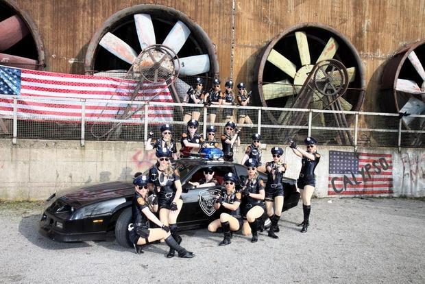 Police-Tanz Showprogramm
