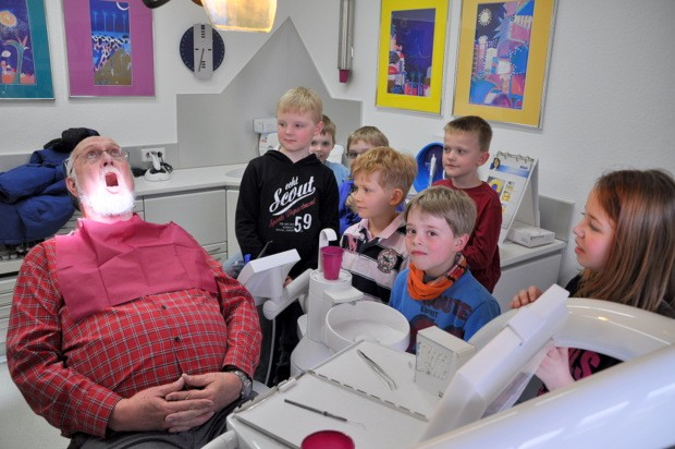 Themenwoche Zähne - Sonnenschule Attendorn 2012