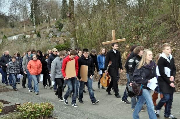 Ökumenischer Jugendkreuzweg Attendorn 2012