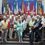 Die Gruppe der Attendorner CDU-Senioren-Union auf der offiziellen Tribüne für die Gruppenfotos im Europa-Parlament in Straßburg Foto: Karl-Hermann Ernst