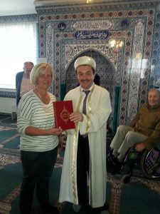 HMA zu Besuch in Attendorns Moschee