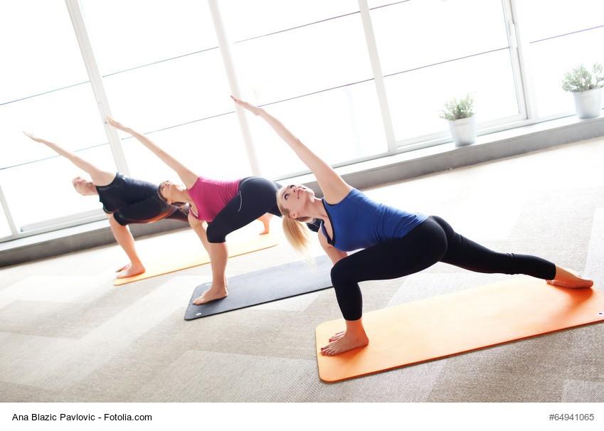 Triangle Pose - Yoga   Urheber: Ana Blazic Pavlovic