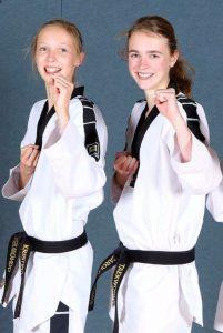 Carolin Jäschke 2. Dan (re.) Deutsche Vizemeisterin im Taekwondo und Christina Schebitz 2.Dan Taekwondo