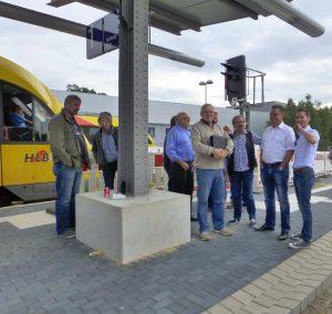 Mitglieder der SPD-Fraktion Attendorn auf dem neu errichteten Bahnsteig