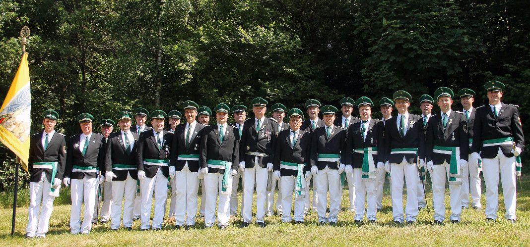 Vorstand und Offiziere der St. Sebastianus-Schützenbruderschaft Helden
