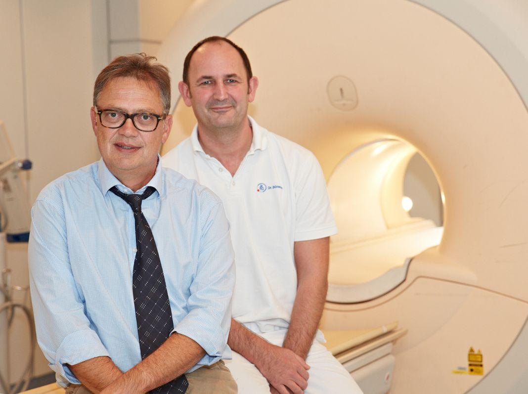 Kardiologe Dr. med. Stephan Doldi untersucht gemeinsam mit seinem Kollegen Dr. Michael Bömmer vom Institut für Diagnostische Radiologie täglich Herzpatienten mit dem Kardio-MRT.