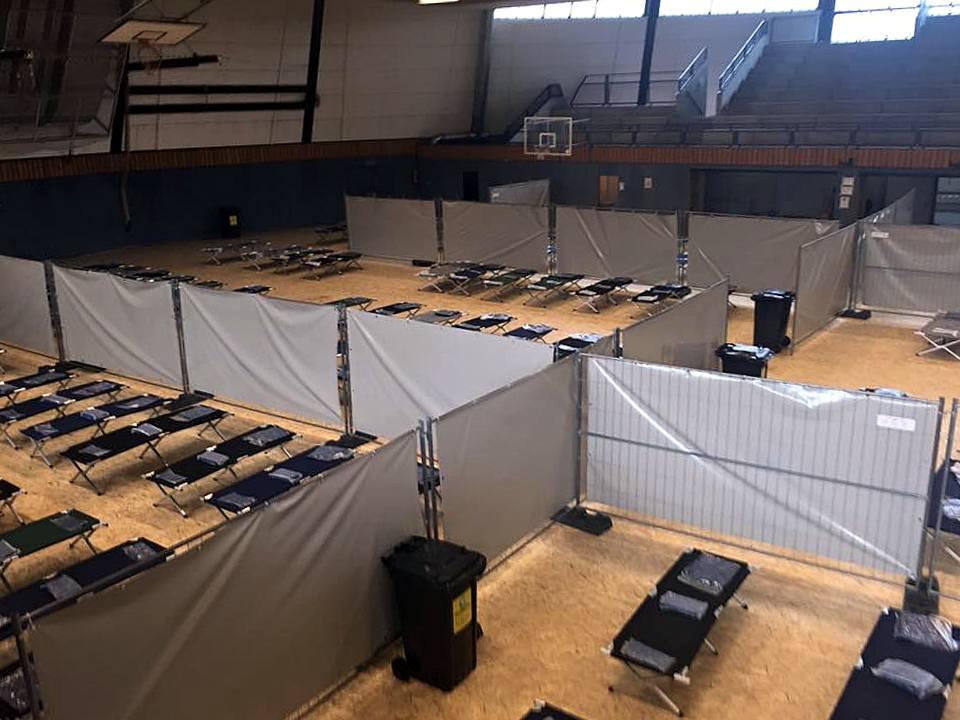 Flüchtlingsunterkunft - Rundturnhalle-Attendorn
