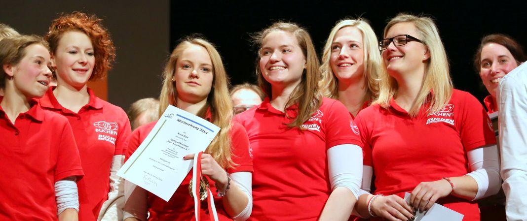 Sportlerinnen der Voltigierfreunde Süd-Sauerland bei der diesjährigen Sportlerehrung