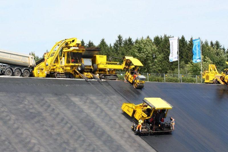 """Die """"1-Mio-Euro-Maschine"""" bei den Sanierungsarbeiten - Foto: Ruhrverband"""