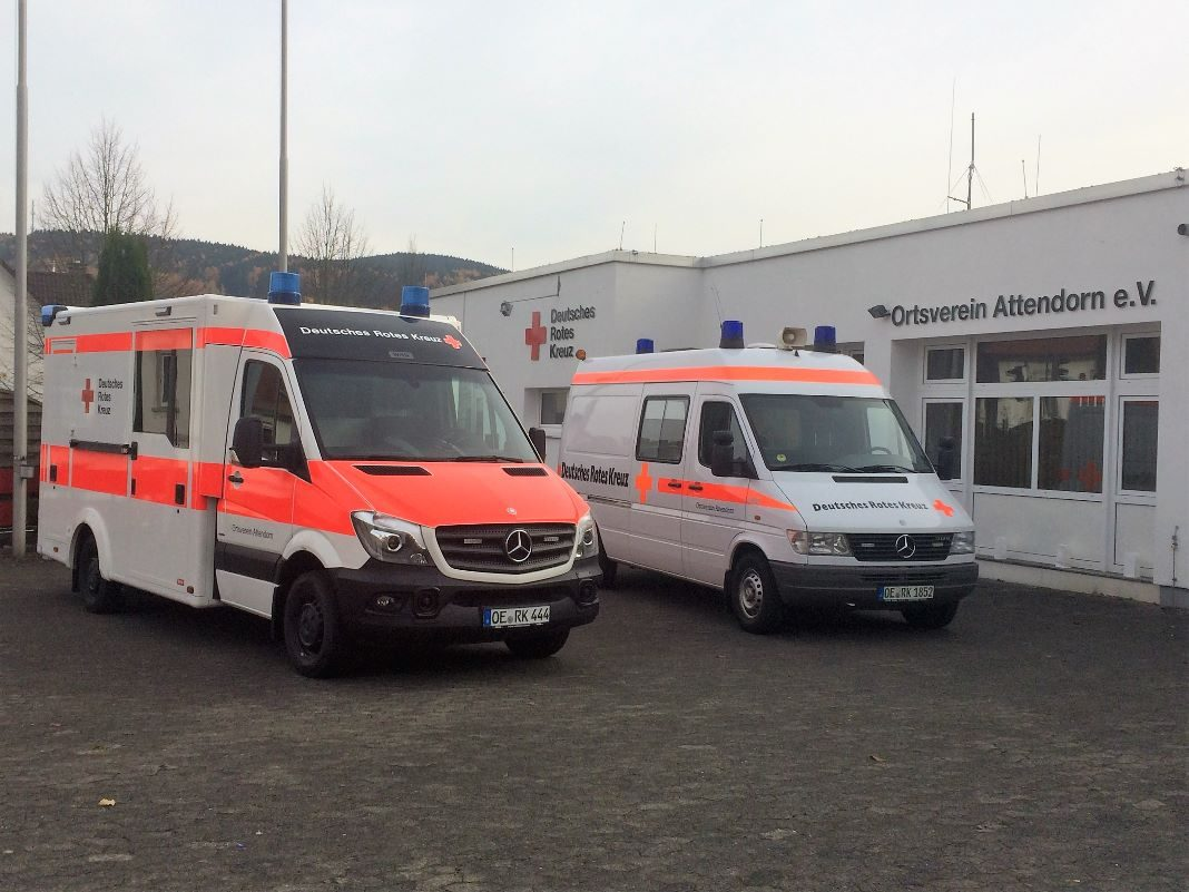 Rettungswagen-DRK-Attendorn-2015