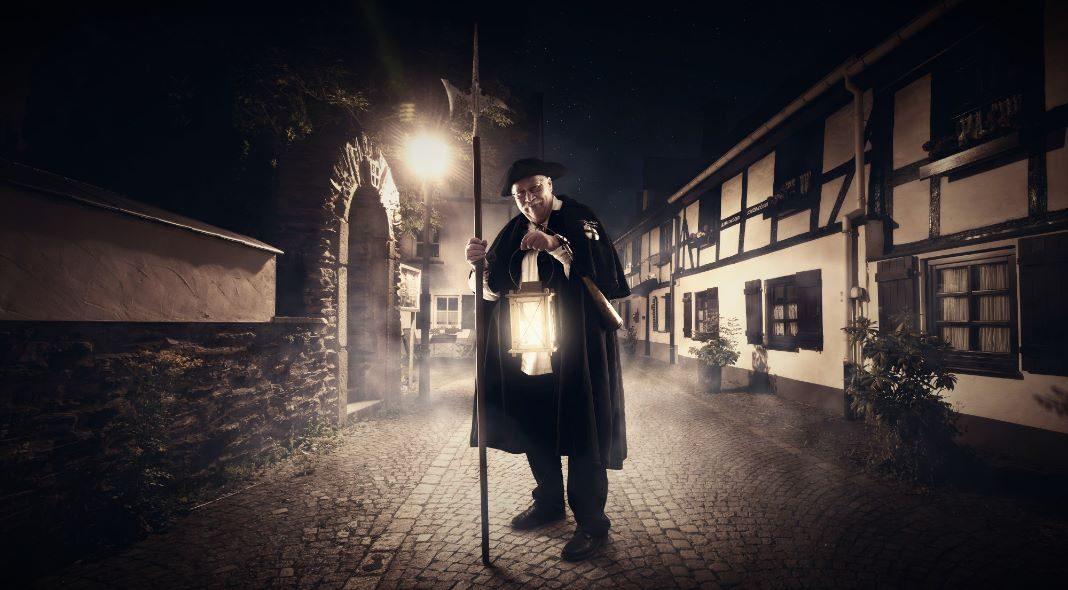 Mit dem Nachtwächter durch die rauhen Attendorner Nächte