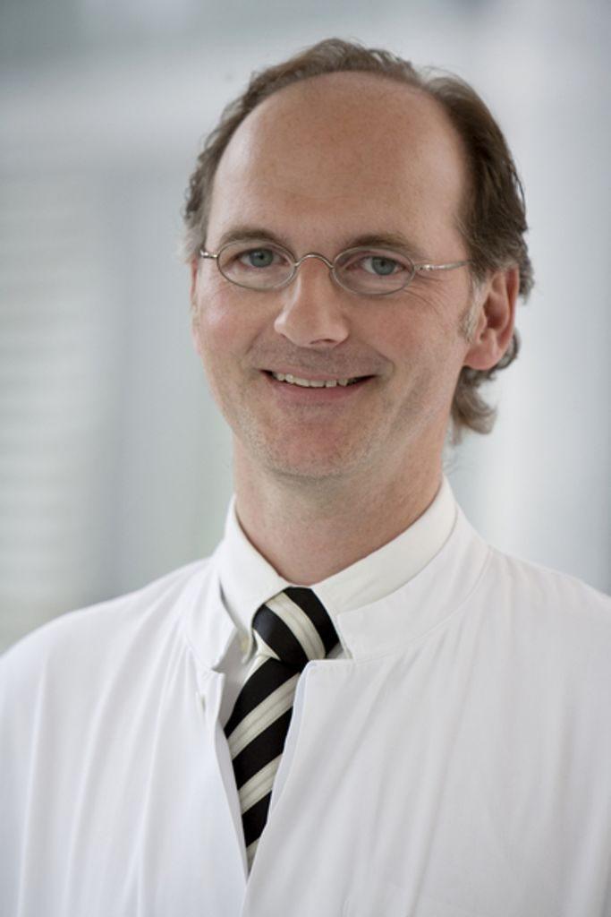 Chefarztes Dr. med. Manfred Kemmerling (Foto: Kathrin Menke)