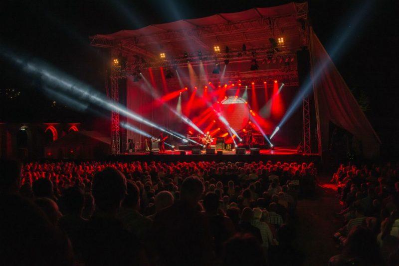"""Pink Floyd-Tribute-Band """"echoes"""" in Attendorn - (© EVENT-Bildagentur Roland Wurster)"""