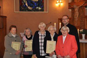 Pfarrer Dr. Christof Grote übergab Erinnerungs- und Dankurkunden