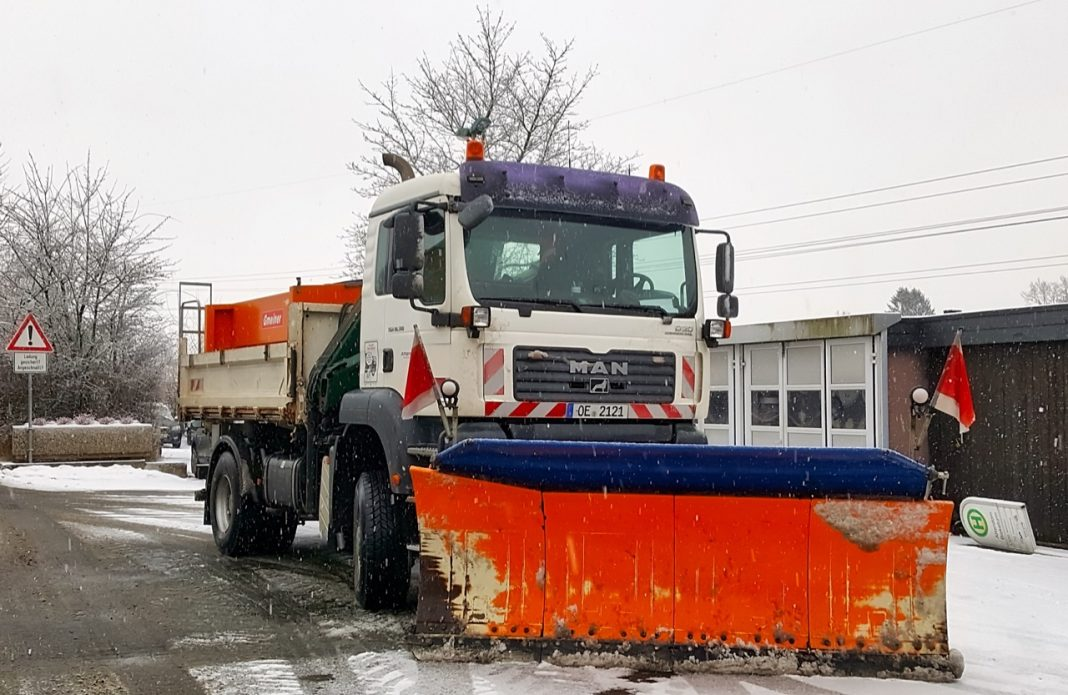 Abgestellte Fahrzeuge behindern nicht nur den Räumdienst der Stadt Attendorn