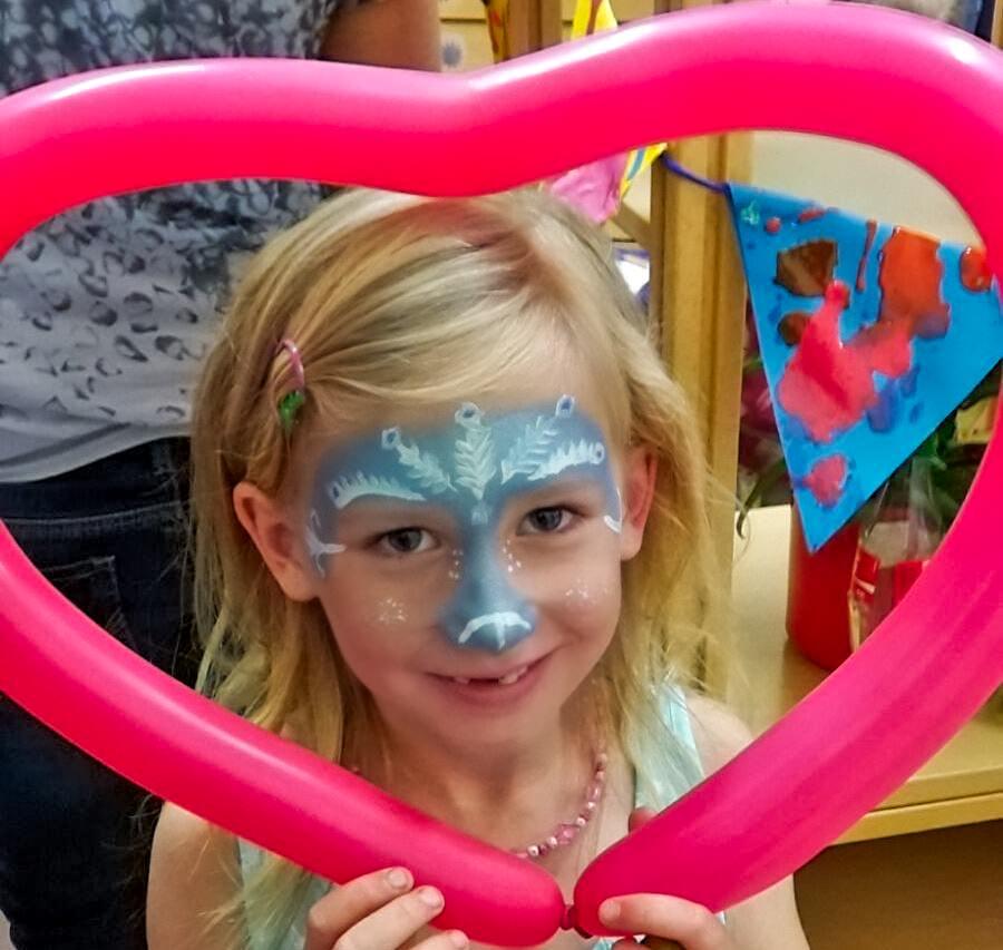 Kinderschminken im Attendorner Kinderclub - karneval in attendorn