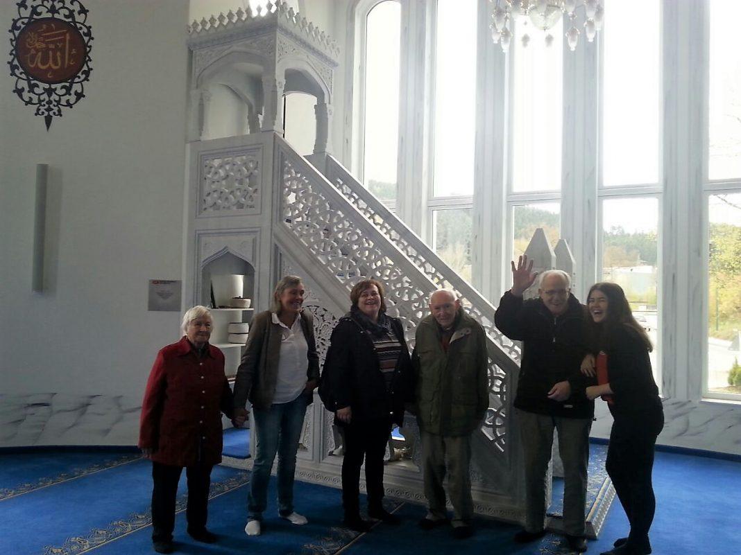 Haus Mutter Anna besucht Attendorner Moschee