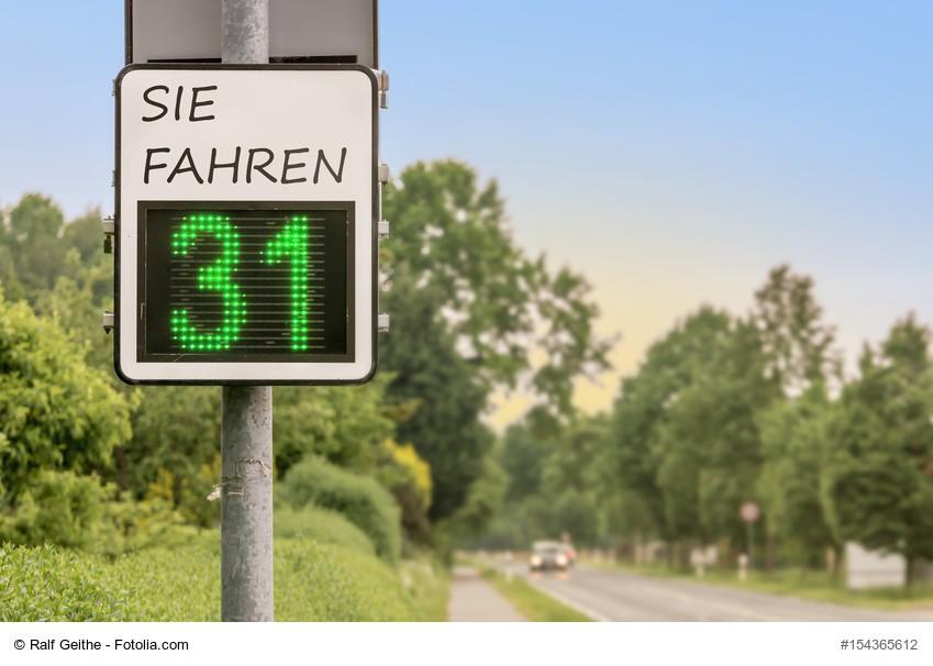 Geschwindigkeitsanzeige - Verkehrssicherheit