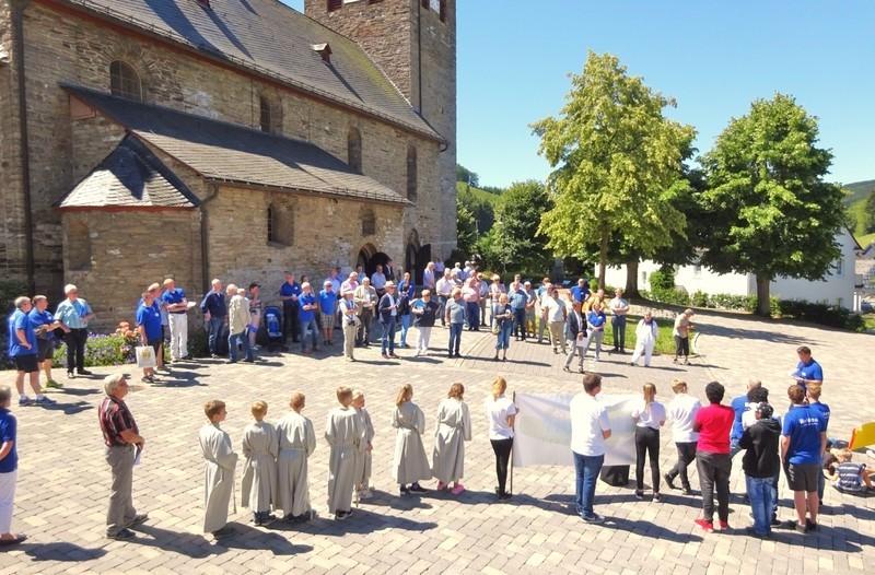 attendorner geschichten - dorfbegehung kirchplatz