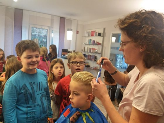Berufserkundung Klasse 3 Friseur