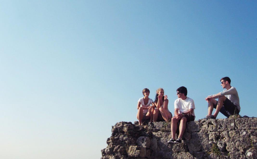 Ferienfreizeiten - Jugendfreizeit - young people -sprachreisen - Foto: karosieben - pixabay.com