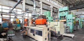 kunststoffverarbeitende Maschinen - Foto: AdobeStock 111268049
