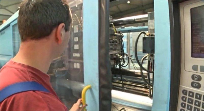 Reinigung kunststoffverarbeitende Maschinen - Foto: ver-rus