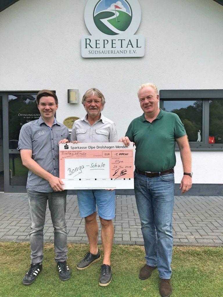 Golfclub Repetal - Spende - Bonga-Schule