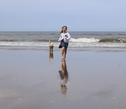 Mädchen am Strand - pixabay.com - Attendorner Geschichten